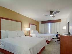 2 QUEEN BEDS 1 BEDROOM SUITE