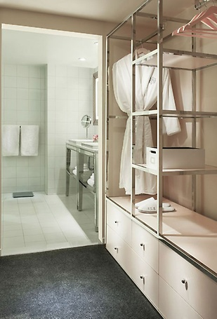 Lux Tower bathroom