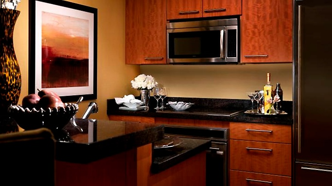One-bedroom Corner Suite kitchen