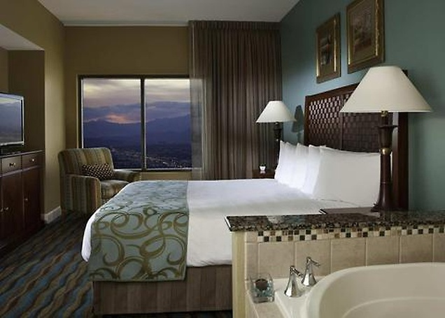 Hilton grand vacations on the las vegas strip - Vegas 3 bedroom suites on the strip ...